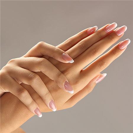 Укрепление натуральных ногтей гелем в Хайфе